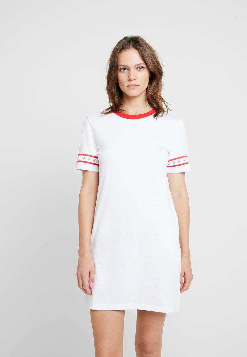 Calvin Klein Jeans - MONOGRAM TAPE DRESS - Freizeitkleid - bright white