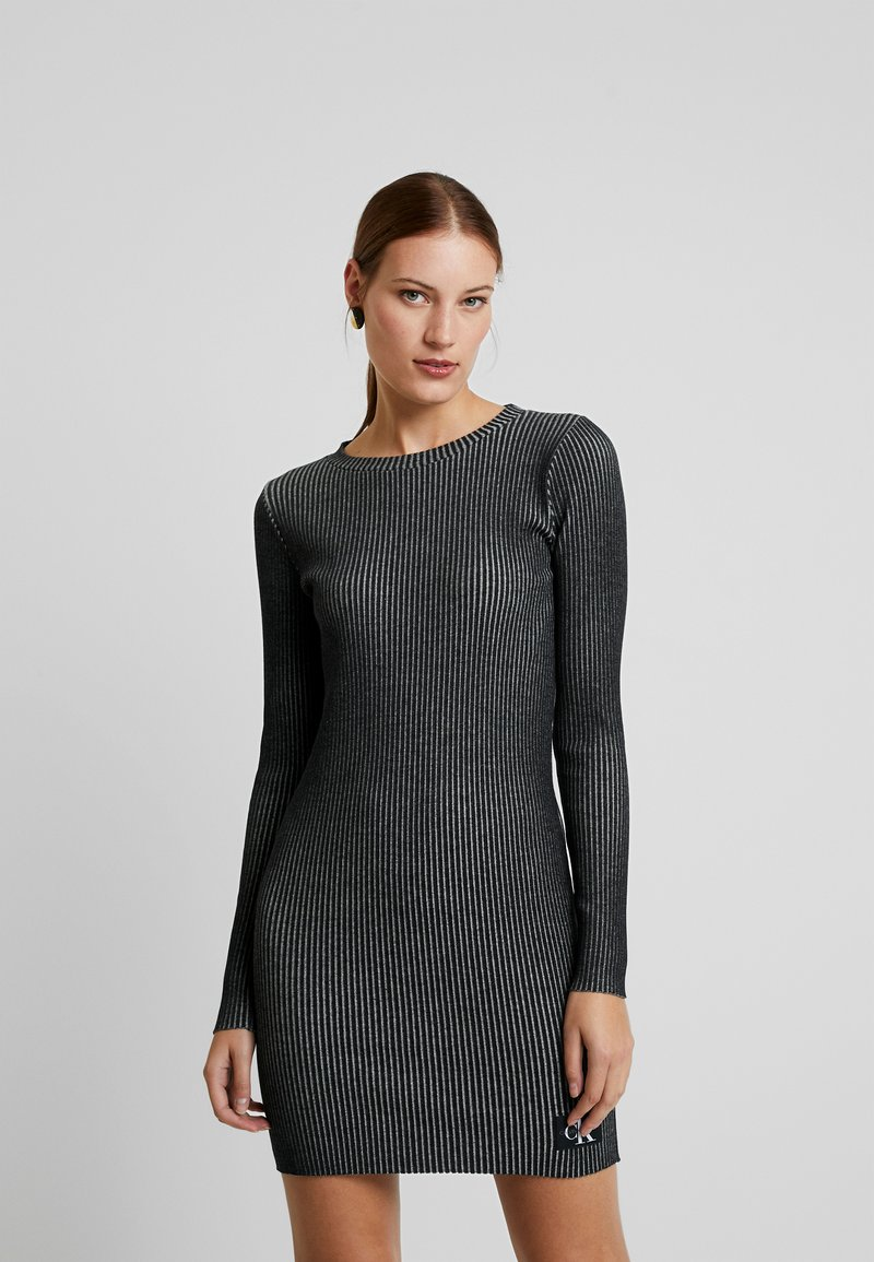 Calvin Klein Jeans - LONG SLEEVE DRESS - Pouzdrové šaty - black