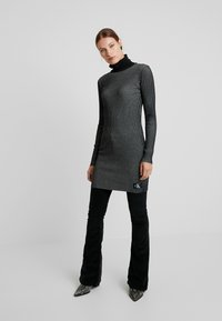Calvin Klein Jeans - LONG SLEEVE DRESS - Pouzdrové šaty - black - 2
