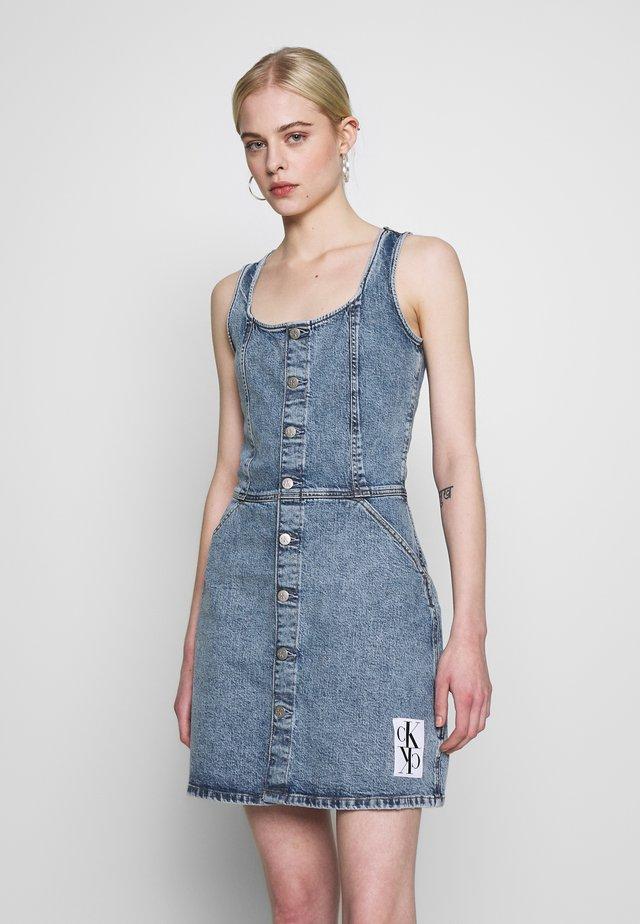 BUTTON DOWN TANK DRESS - Spijkerjurk - mid blue