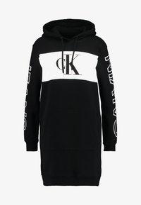 Calvin Klein Jeans - BLOCKING STATEMENT LOGODRESS - Robe d'été - black - 5