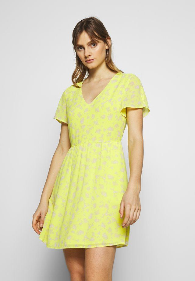 VNECK DRESS - Korte jurk - yellow