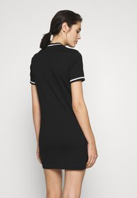 Calvin Klein Jeans - NECK AND CUFF TIPPING TEE DRESS - Žerzejové šaty - ck black - 2