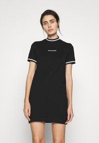 Calvin Klein Jeans - NECK AND CUFF TIPPING TEE DRESS - Žerzejové šaty - ck black - 0