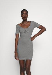 Calvin Klein Jeans - MONOGRAM STRIPE BALLET DRESS - Žerzejové šaty - bright white/black - 0