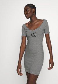 Calvin Klein Jeans - MONOGRAM STRIPE BALLET DRESS - Žerzejové šaty - bright white/black - 3
