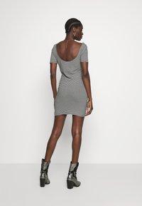 Calvin Klein Jeans - MONOGRAM STRIPE BALLET DRESS - Žerzejové šaty - bright white/black - 2