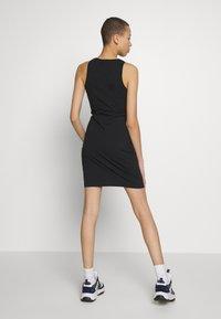 Calvin Klein Jeans - MONOGRAM TANK DRESS - Žerzejové šaty - black - 2