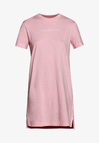 keepsake pink