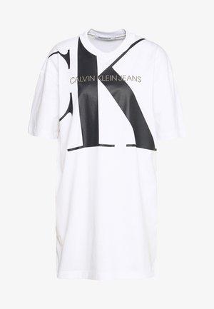 LARGE OVERSIZED DRESS - Jersey dress - bright white