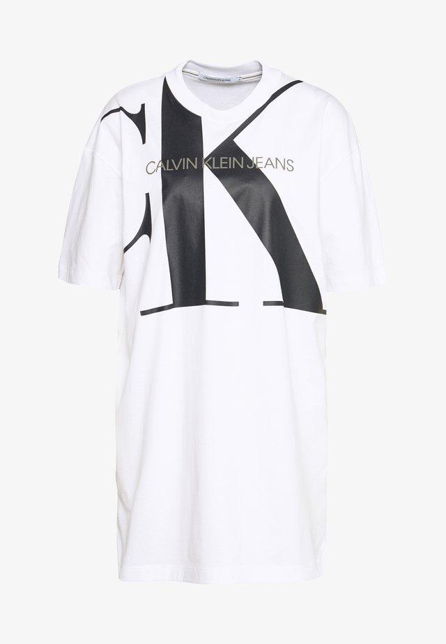 LARGE OVERSIZED DRESS - Jerseyjurk - bright white