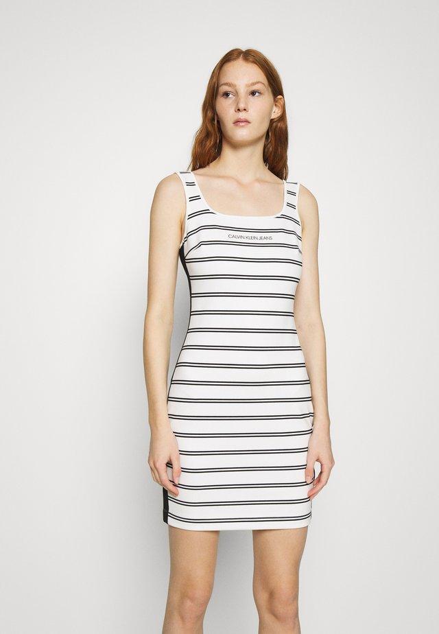 STRIPE MILANO DRESS - Sukienka z dżerseju - creamy white/black