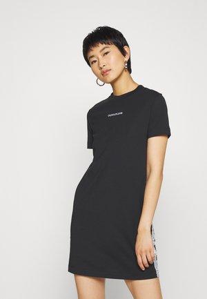 DRESS WITH TAPE - Etuikjole - black
