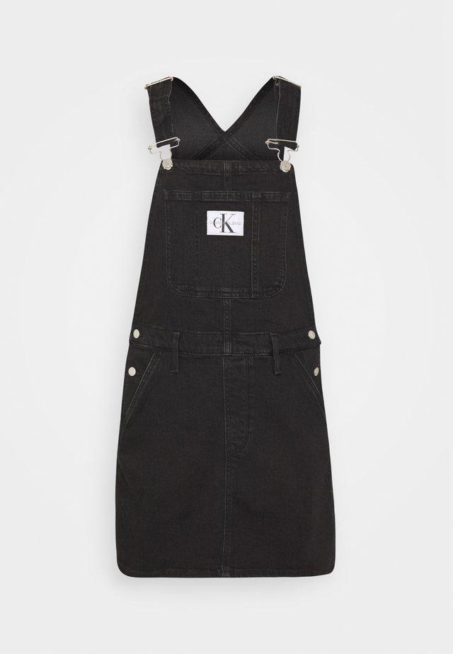 OVERALL DRESS - Spijkerjurk - washed black