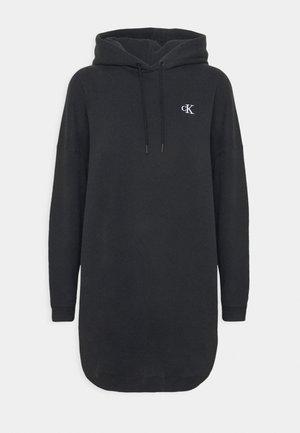 HOODIE DRESS WITH CHEST LOGO - Freizeitkleid - black