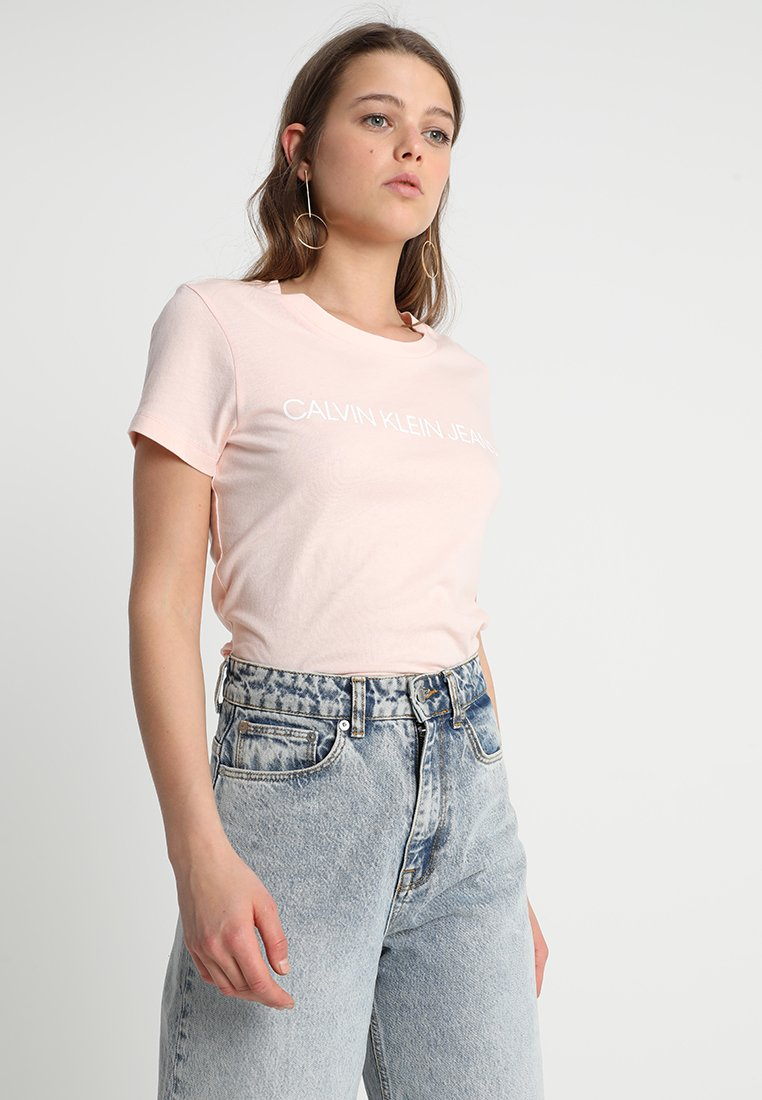 Calvin Klein Jeans - INSTITUTIONAL LOGO TEE - T-shirt con stampa - chintz rose