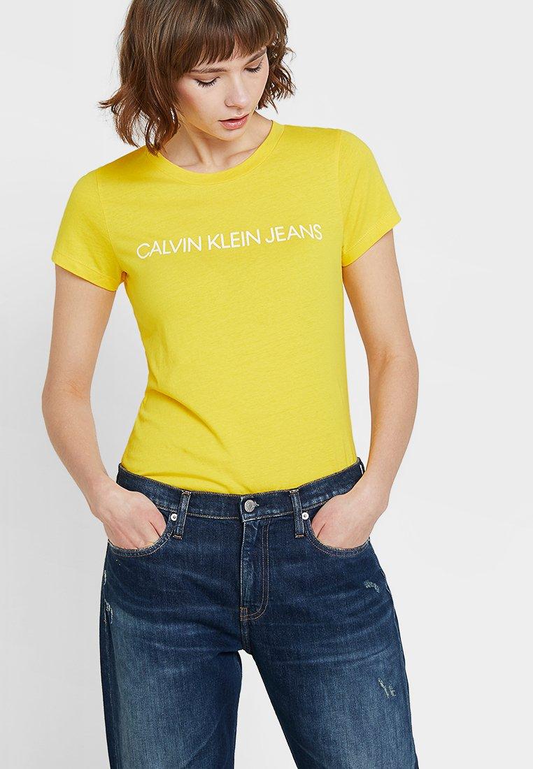 Calvin Klein Jeans - INSTITUTIONAL LOGO TEE - T-Shirt print - lemon