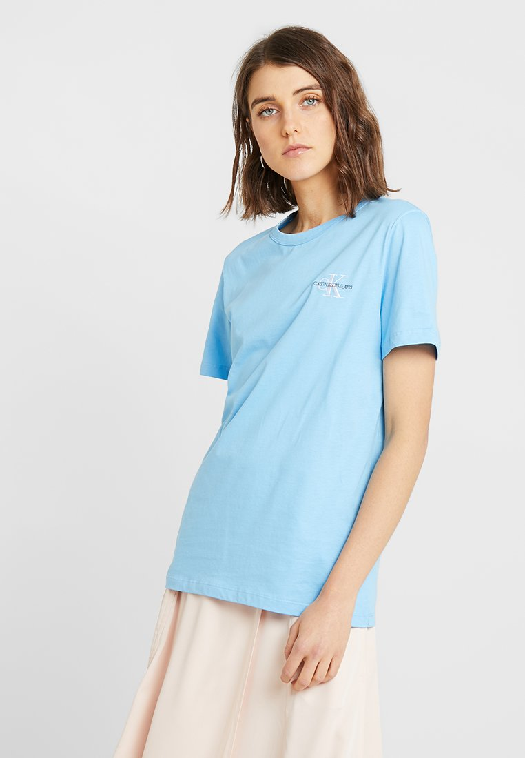 Calvin Klein Jeans - MONOGRAM STRAIGHT TEE - T-shirt con stampa - alaskan blue