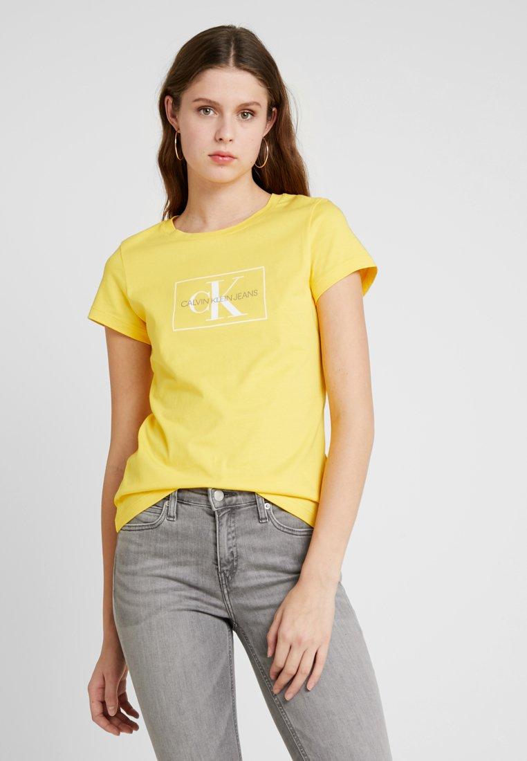 Calvin Klein Jeans - OUTLINE MONOGRAM - Print T-shirt - lemon