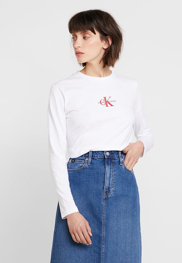 Calvin Klein Jeans - MONOGRAM EMBROIDERY LONG SLEEVE - Maglietta a manica lunga - bright white