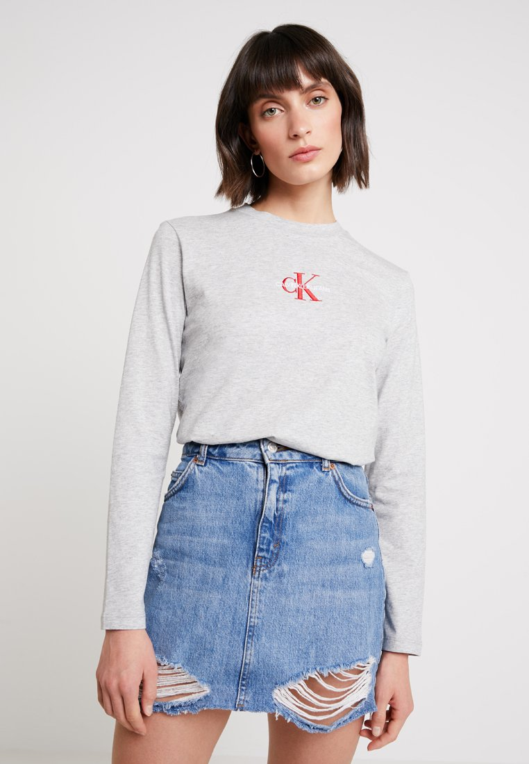 Calvin Klein Jeans - MONOGRAM EMBROIDERY LONG SLEEVE - T-shirt à manches longues - light grey heather