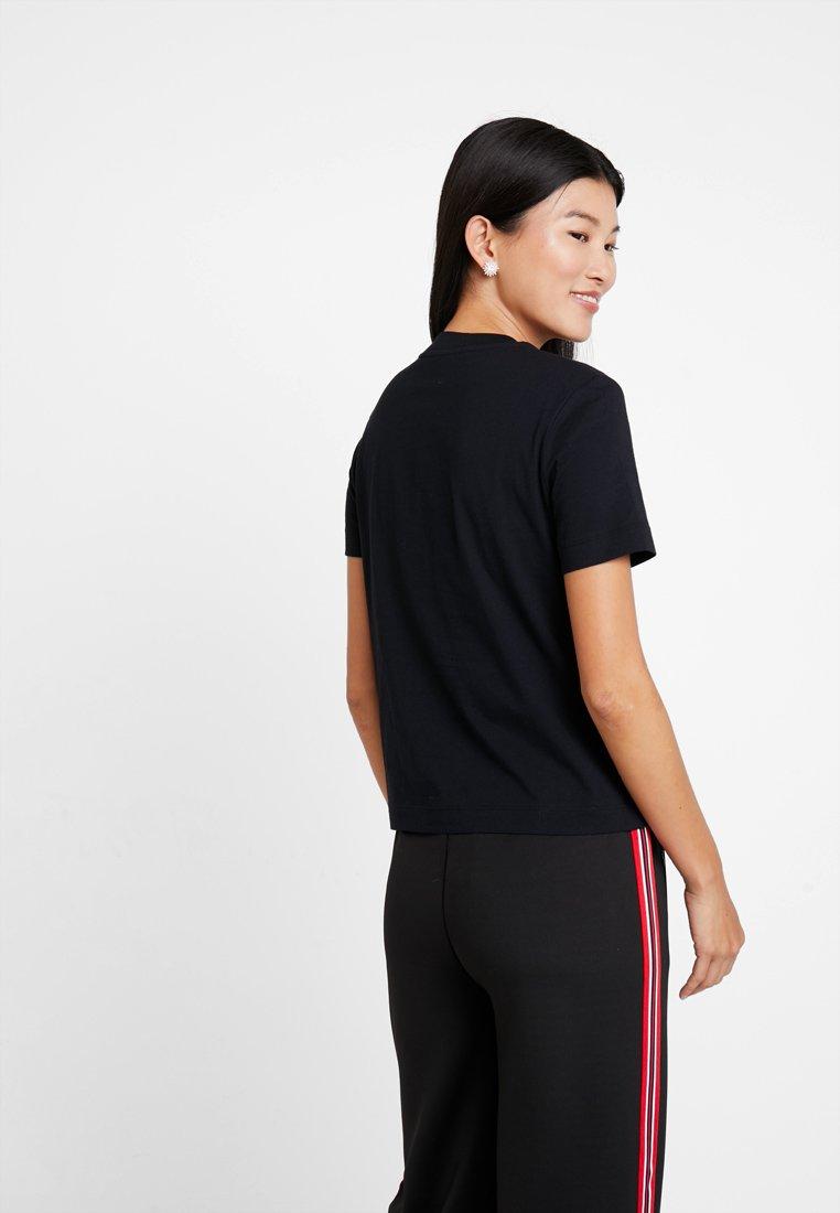 shirt TeeT Klein Straight Black Box Jeans Multi Logo Calvin Imprimé K3Tc5lFu1J