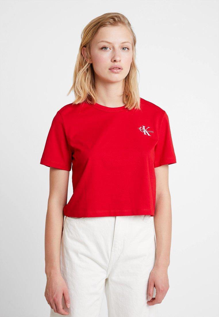 Calvin Klein Jeans - MONOGRAM EMBROIDERY CROPPED TEE - Print T-shirt - barbados cherry/white