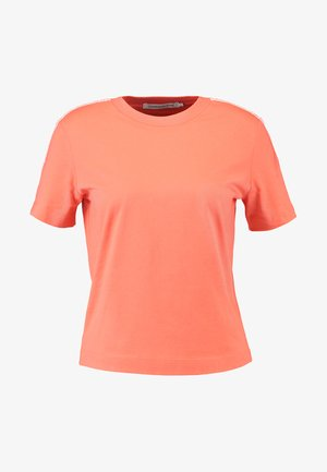 TAPE LOGO STRAIGHT TEE - T-shirt basique - hot coral