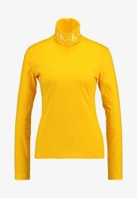 Calvin Klein Jeans - MONOGRAM TAPE ROLL NECK - Long sleeved top - lemon chrome/bright white - 3
