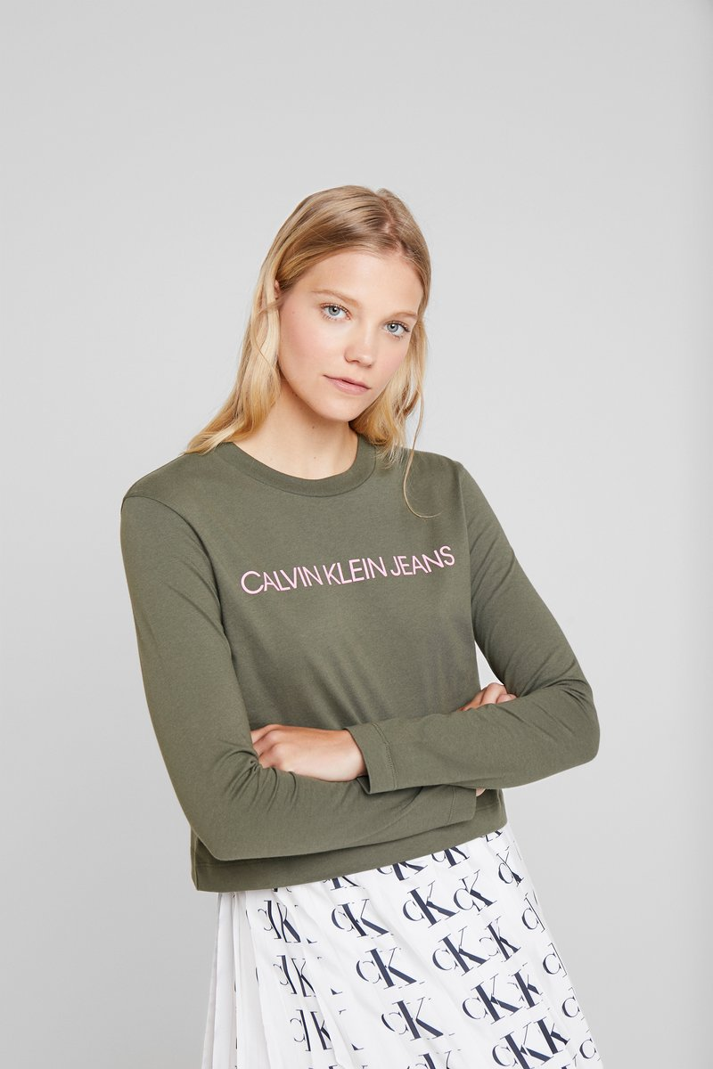 Calvin Klein Jeans - INSTITUTIONAL LOGO CROP - T-shirt à manches longues - grape leaf