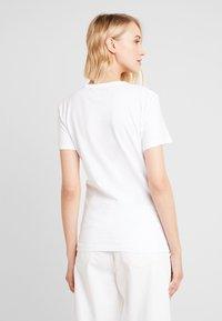 Calvin Klein Jeans - MONOGRAM SLIM RINGER TEE - Printtipaita - bright white - 2
