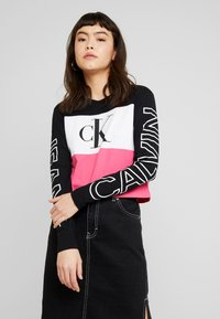 Calvin Klein Jeans - BLOCKING STATEMENT LOGO TEE - T-shirt à manches longues - raspberry sorbet - 0