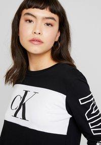 Calvin Klein Jeans - BLOCKING STATEMENT LOGO TEE - Long sleeved top - black - 3