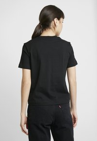 Calvin Klein Jeans - MIRRORED MONOGRAM POCKET TEE - Triko s potiskem - black - 2
