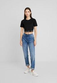 Calvin Klein Jeans - LOGO MILANO - T-shirt print - black - 1