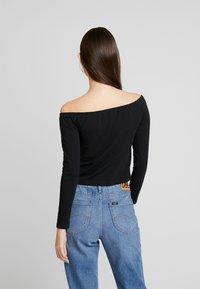 Calvin Klein Jeans - BARDOT INSTITUTIONAL TEE - T-shirt à manches longues - black - 2