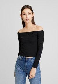 Calvin Klein Jeans - BARDOT INSTITUTIONAL TEE - T-shirt à manches longues - black - 0