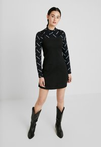 Calvin Klein Jeans - DIAGONAL LOGO MOCK NECK TEE - Top sdlouhým rukávem - black - 1
