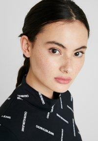 Calvin Klein Jeans - DIAGONAL LOGO MOCK NECK TEE - Top sdlouhým rukávem - black - 3