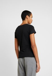 Calvin Klein Jeans - EMBROIDERY SLIM TEE - T-shirt basique - black - 2