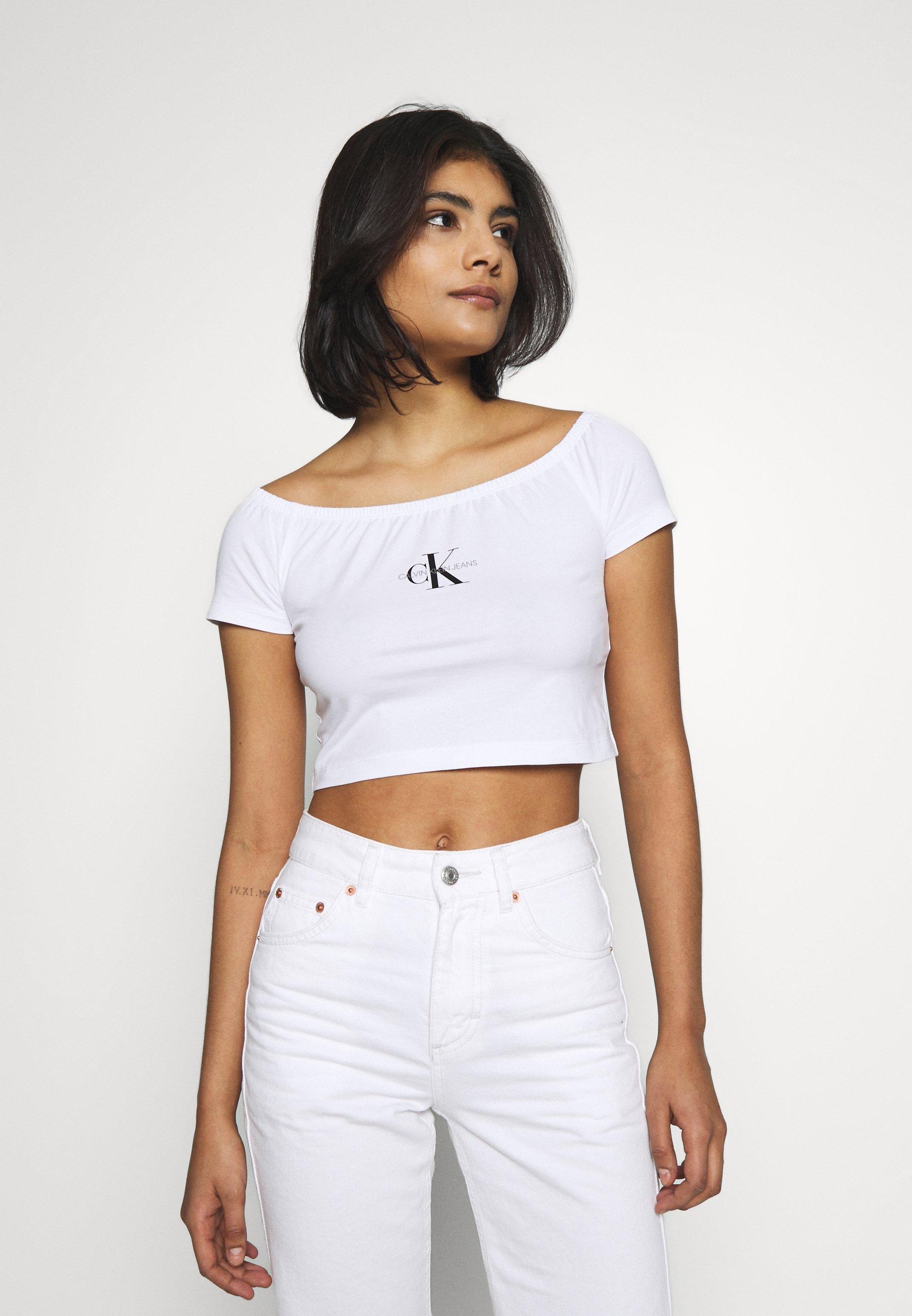 Calvin Klein Jeans MONOGRAM LOGO BARDOT TOP - T-shirts med print - bright white