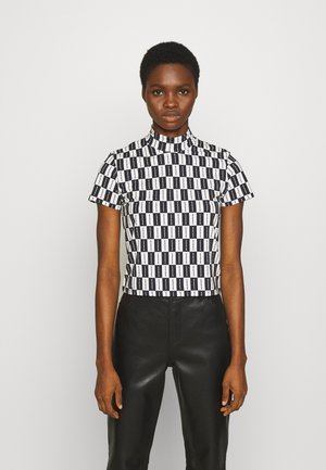 CHECKERBOARD MOCK NECK TEE - Camiseta estampada - black
