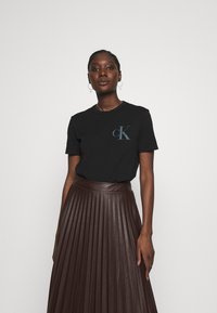 Calvin Klein Jeans - BACK INSTITUTIONAL LOGO SLIM TEE - Print T-shirt -  black - 2