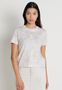 Calvin Klein Jeans - TIE DYE TEE - T-shirts med print - plaza taupe - 0