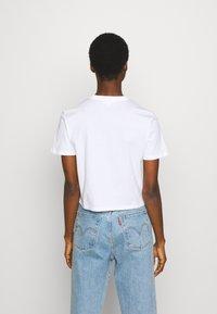 Calvin Klein Jeans - PALM TREE PHOTO LOGO SLIM TEE - Print T-shirt - bright white - 2