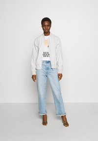 Calvin Klein Jeans - PALM TREE PHOTO LOGO SLIM TEE - Print T-shirt - bright white - 1