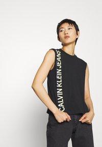 Calvin Klein Jeans - PHOTO PRINT STRAIGHT - Top - black - 0