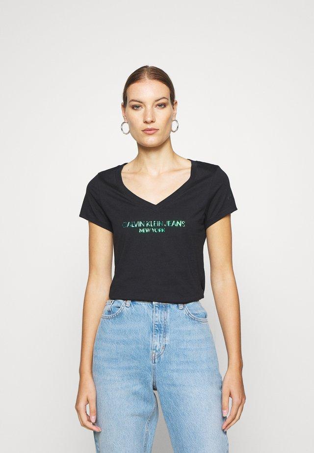 IRIDESCENT LOGO  - T-shirt imprimé - black beauty