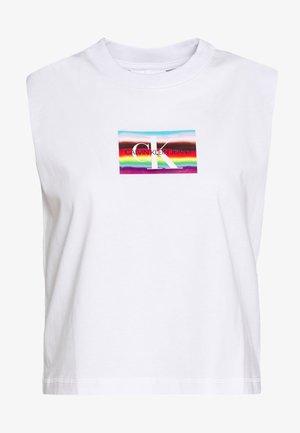 MONOGRAM MODERN CROPPED TEE - T-shirt con stampa - bright white