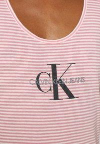 Calvin Klein Jeans - Top - brandied apricot - 5